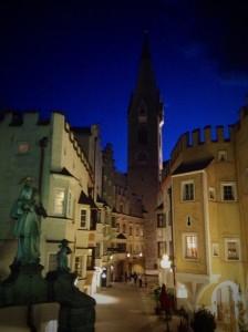 Blick auf die katholische Kirche Pfarre Brixen