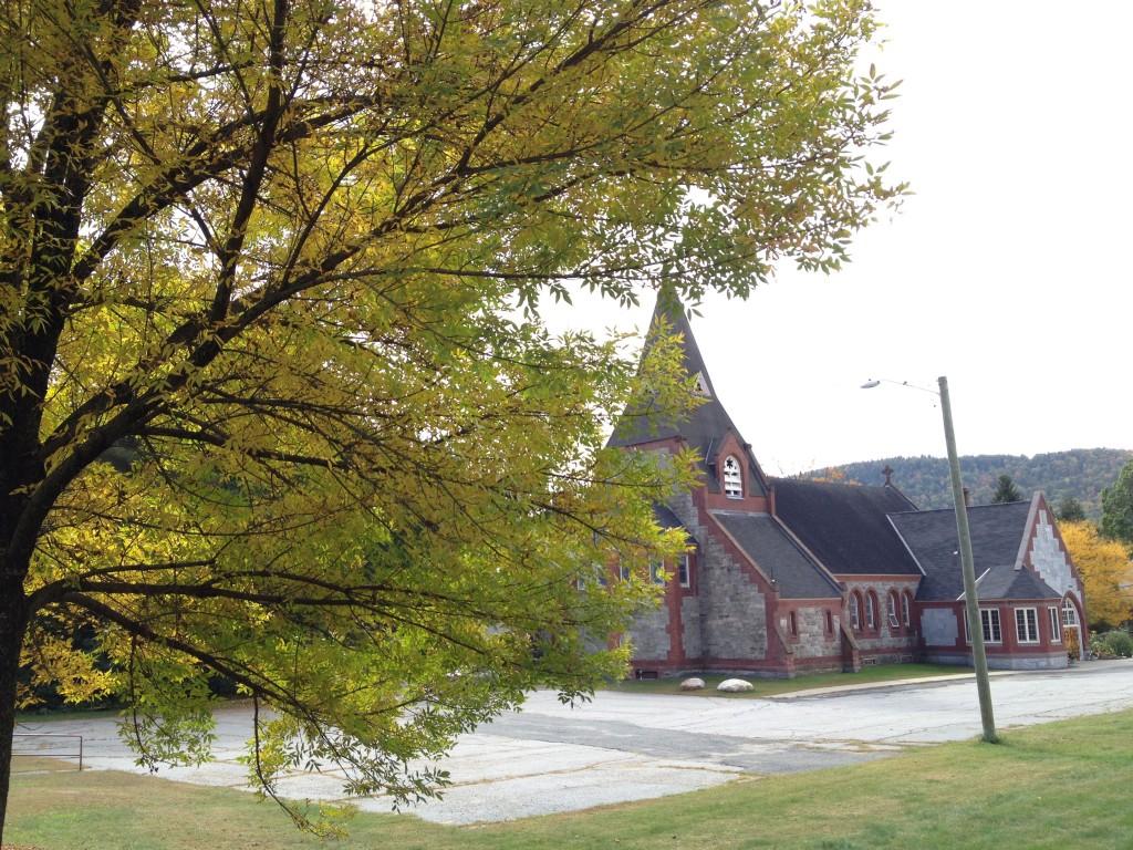 Die nächste Kirche in Shelburne Falls