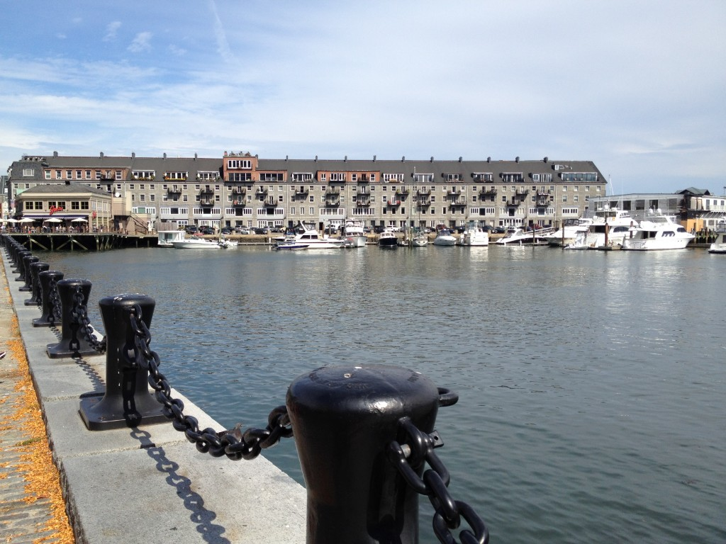 Das Hafenbecken in Boston